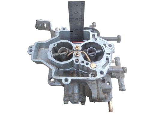 замеряем уровень топлива в камерах карбюратора ВАЗ 2109