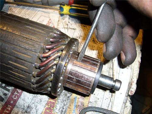 зачистка прорезей между ламелями электростартера