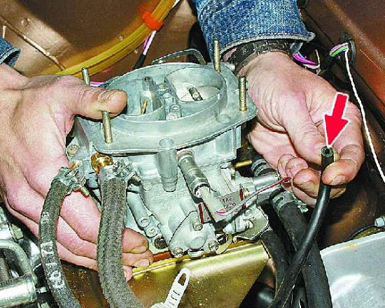 Проверка герметичности привода вакуумного корректора