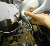 Как заменить масло и масляный фильтр Рено Логан 1.6