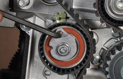 Замена ремня ГРМ в 16-клапанном двигателе Рено 1,6 (K4M) и 1.4 (K4J) на Логан, Дастер, Сандеро, Ларгус, Логан2,